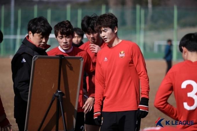 전북 현대와의 개막전에 선발 출전한 FC서울 기성용. .(한국프로축구연맹 제공)© 뉴스1
