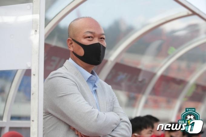 김태완 김천 감독이 박용우와 권경원이 부상으로 나올 수 없다고 밝혔다.(한국프로축구연맹 제공)© 뉴스1