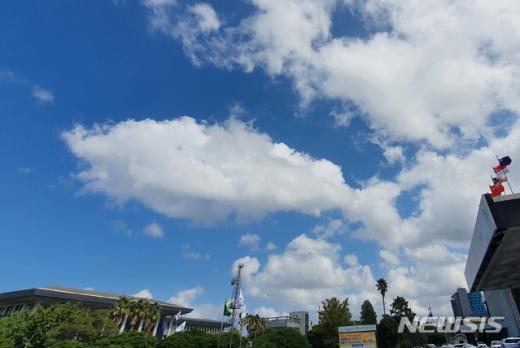 오늘(28일) 전국이 맑고 따뜻할 것으로 전망된다. /사진=뉴시스