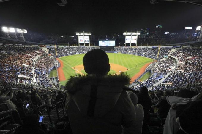 올 시즌 프로야구 규칙이 일부 변경된다. 사진은 잠실 야구장. /사진=뉴시스 DB