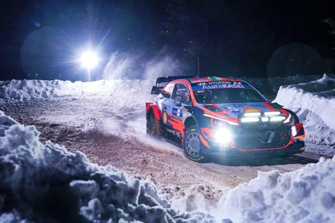 현대 월드랠리팀이 WRC 2021시즌 경기 중 유일하게 눈과 빙판으로 이뤄진 '핀란드 북극 랠리'에서 상쾌한 첫 승을 신고했다. /사진제공=현대차