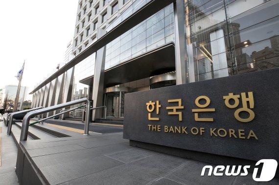 한국은행이 스위스중앙은행과 맺은 통화스와프 계약을 5년 연장했다./사진=뉴스1