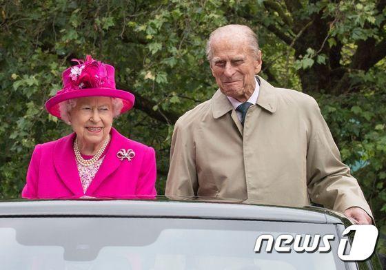 엘리자베스 2세 영국 여왕과 부군 필립공. © AFP=뉴스1 © News1 우동명 기자