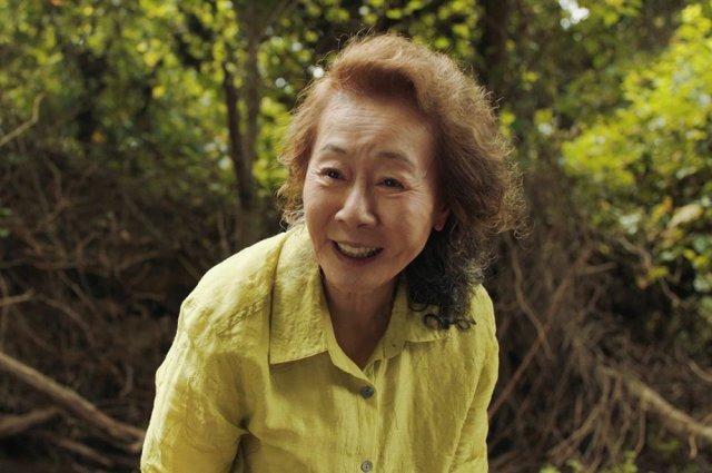 '미나리'가 골든글로브에서 외국어영화상을 수상한 가운데 윤여정이 수상소감을 밝혔다. /사진=(주) 판씨네마 제공