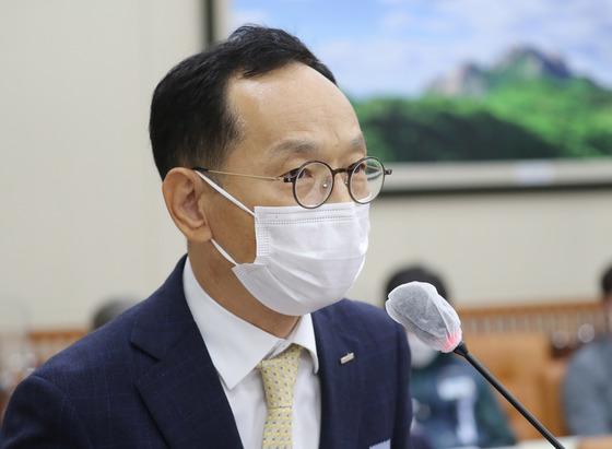 검찰이 최근 김유상 이스타항공 대표(사진)의 김포공항 내 사무실을 압수수색한 것으로 확인됐다. /사진=뉴스1