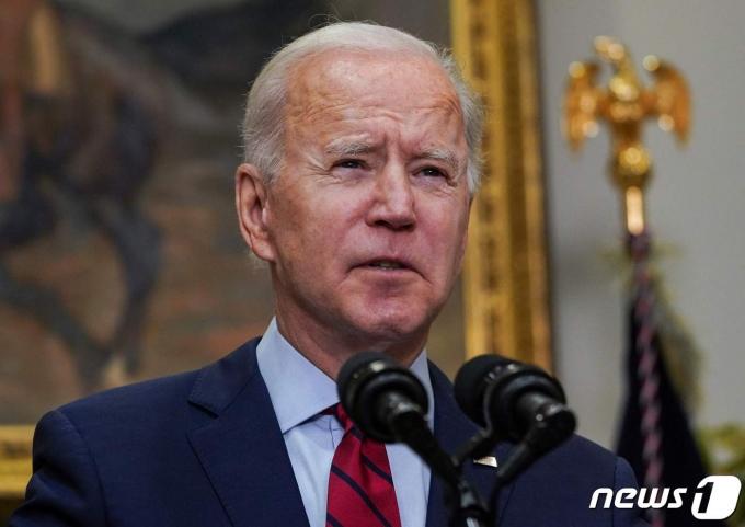 조 바이든 미국 대통령이 2021년 2월27일(현지시간) 워싱턴 백악관에서 1조9000억 달러 규모 경기부양안 통과에 신속히 나설 것을 상원에 촉구하고 있다. © AFP=뉴스1 © News1 우동명 기자