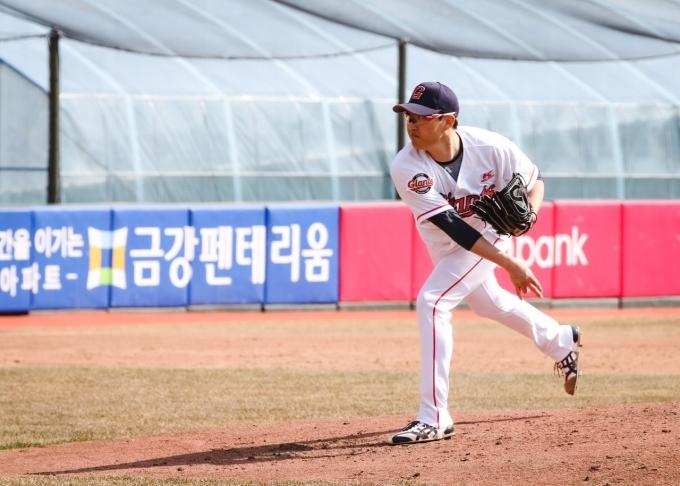 박세웅은 3일 삼성 라이온즈와 연습경기에 선발 등판한다.(롯데 자이언츠 제공) © 뉴스1
