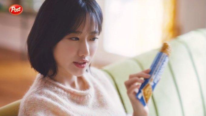 에이프릴 학폭 논란에… '이나은 출연' 동서식품 광고 중단