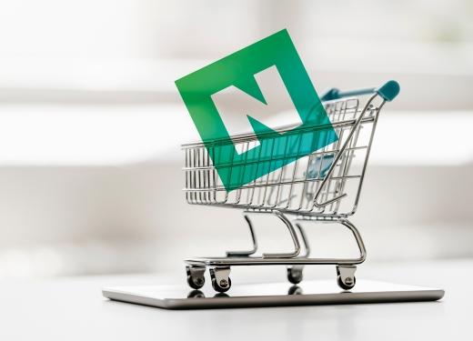 지난달 한국인이 가장 많이 결제한 온라인 쇼핑 서비스는 네이버인 것으로 나타났다. /그래픽=김민준 기자