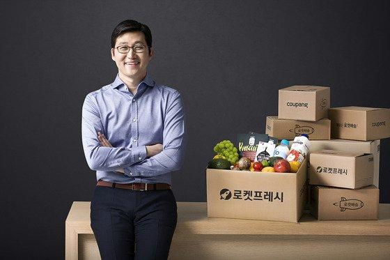 쿠팡이 이르면 오는 11일 미국 뉴욕증권거래소(NYSE)에 상장될 예정인 가운데 김범석 의장이 거머쥘 수익에도 관심이 쏠린다./사진=쿠팡