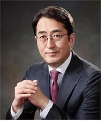 연임이냐 교체나… 김용범·김정남 등 보험사 CEO 거취는?