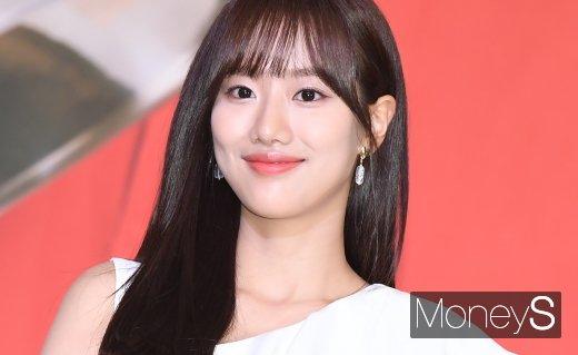 '학교폭력 의혹'에 휩싸인 에이프릴 멤버 이나은이 '맛남의 광장'에 통편집이 아닌 일부 등장했다. /사진=장동규 기자