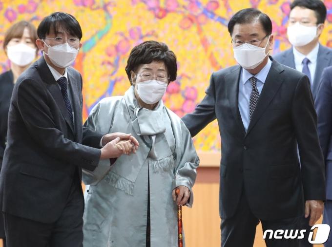[뉴스1 주간 핫포토] LH 직원 투기·윤석열 사의 '갑작스런 사건사고'