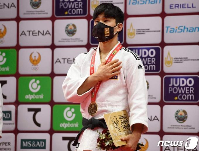 남자 유도간판 안바울이 2021 타슈켄트 그랜드슬램 대회서 금메달을 획득했다. © AFP=뉴스1