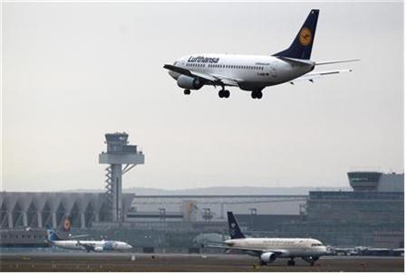 """""""또 추락할 뻔""""… '공포의 여객기' 보잉 737맥스, 기계결함으로 긴급 착륙"""