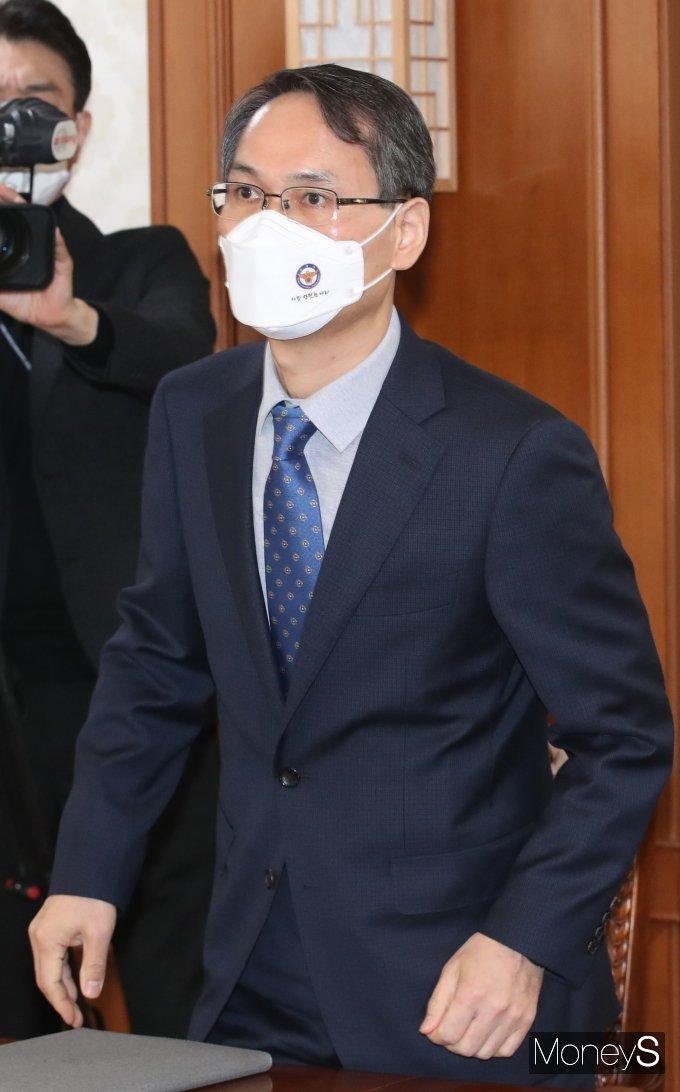 [머니S포토] 남구준 국가수사본부장 '총리에게 LH 의혹 보고하기 위해'
