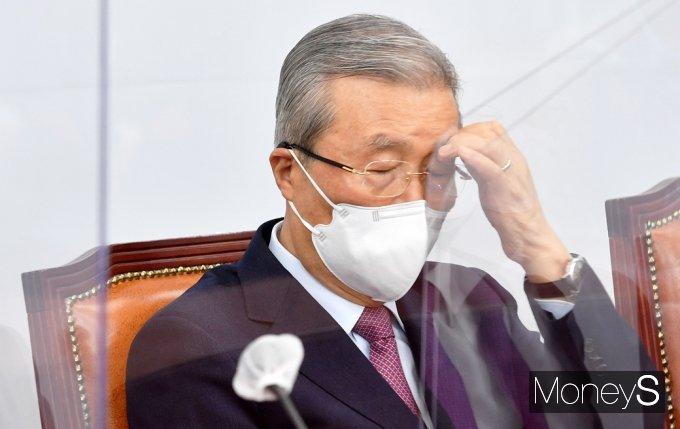 """[머니S포토] 김종인 """"오세훈-안철수 단일화 논의, 일반 상식 판단시 별로 어려울 게 없어"""""""