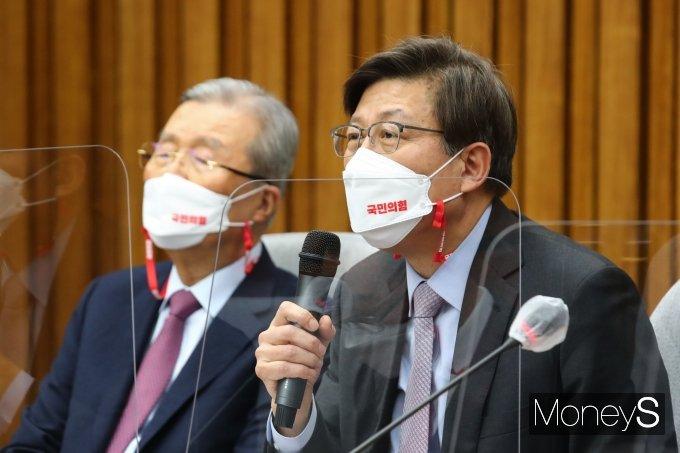 [머니S포토] 인사말하는 박형준 국민의힘 부산시장 후보