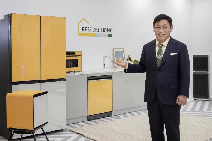 이재승 삼성전자 생활가전사업부장(사장)이 비스포크 홈을 소개하고 있다. / 사진=삼성전자
