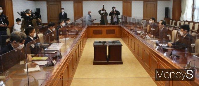 [머니S포토] LH 직원들의 신도시 투기의혹 수사협력 관련 회의