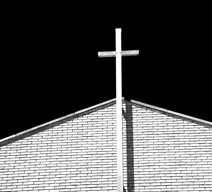 목사가 코로나19 확진 판정을 받은 교인들에게 교회 얘기를 하지 말라는 등 역학조사에서 동선을 고의로 은폐·누락하도록 교사한 혐의로 3000만원 벌금형을 선고받았다. /사진=이미지투데이