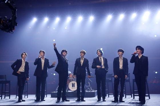 방탄소년단이 미국 그래미 주간에 마련된 자선공연에 출연했다. /사진=빅히트