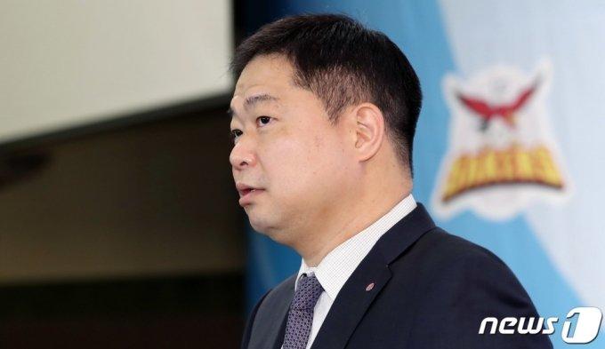 농구 스타 출신 방송인 현주엽이 최근 불거진 학교폭력(학폭) 의혹을 정면으로 반박했다. /사진=뉴스1