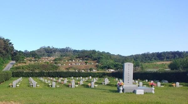 안성시 사곡동 공설묘지 내에 있는 국군묘지가 지난 2월 24일 국가관리묘역으로 지정됐다. / 사진제공=안성시