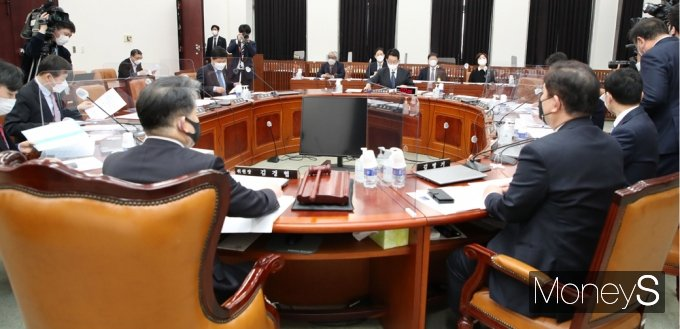 [머니S포토] 국정원 업무보고 등 국회 정보위 전체회의
