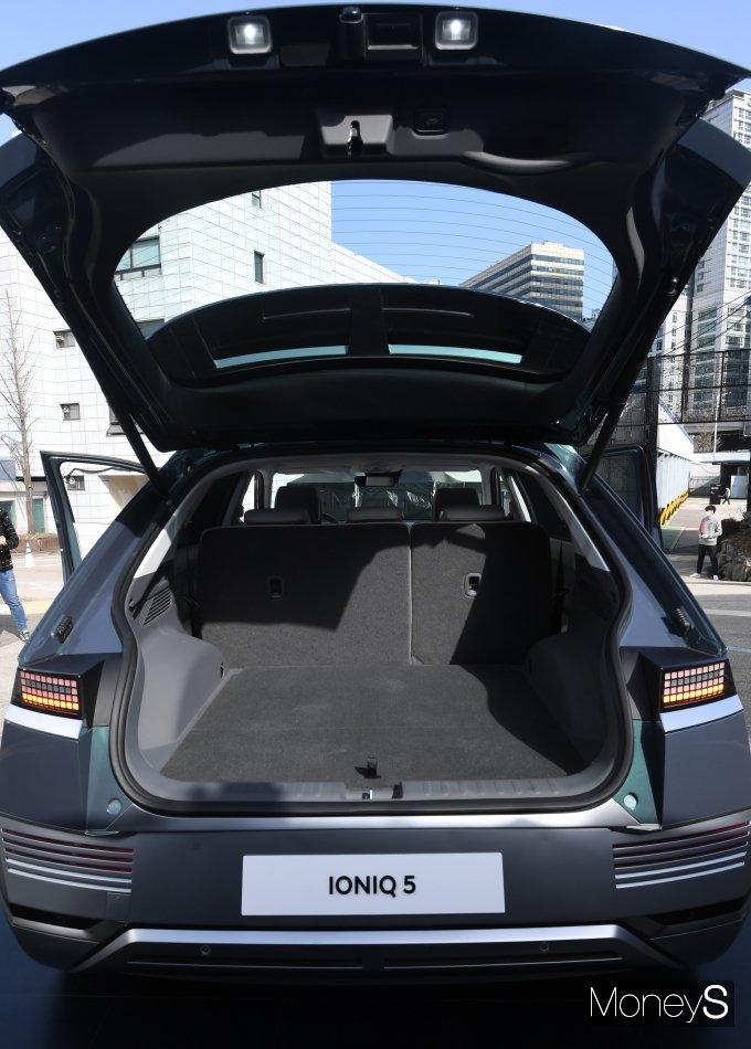 """[머니S포토] """"아이오닉5 타고 캠핑가요""""… '넓은 트렁크' 대만족"""
