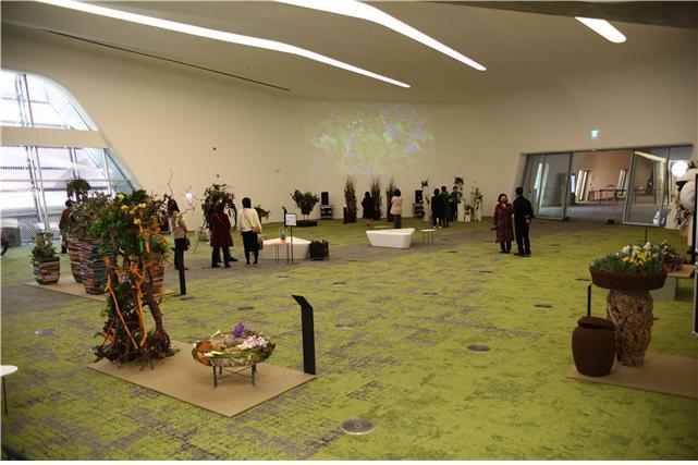 서울디자인재단은 3월16일부터 새로운 봄의 시작을 알리는 전시인 '스프링가든 in D-숲'展을 개최했다. / 사진제공=서울디자인재단