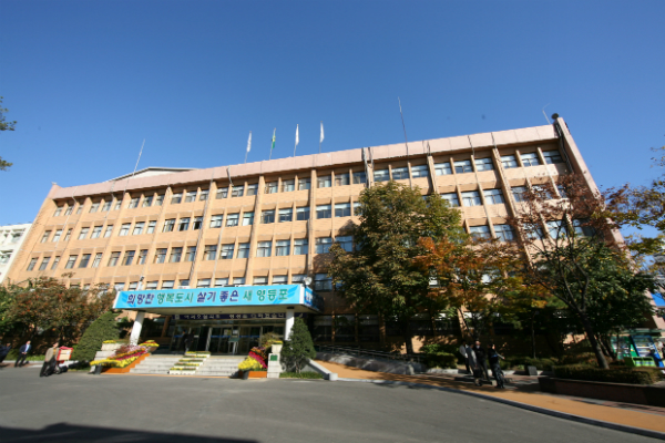 서울 영등포구가 지역 어린이집 영유아를 대상으로 코로나19 예방과 미세먼지 차단 등 건강관리를 위한 마스크를 오는 23일부터 배부한다고 밝혔다. / 사진제공=영등포구