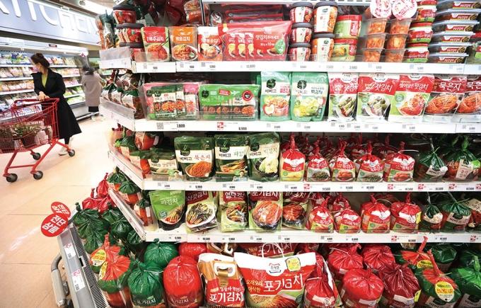 중국산 김치 불매 운동으로 중국에 김치를 수출하는 국내 기업도 홍역을 앓고 있다. /사진=뉴스1