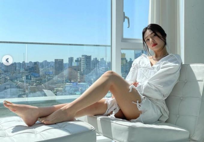 레드벨벳 조이가 청량한 미모로 시선을 사로잡았다. /사진=조이 인스타그램