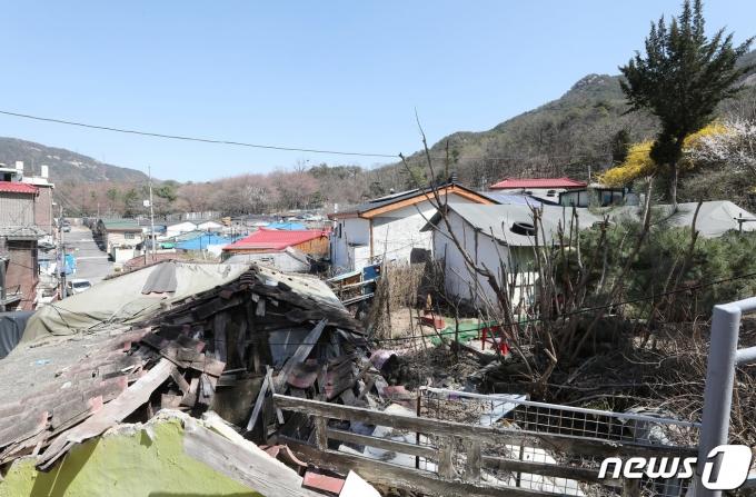 지난달 30일 오후 공공재개발 시범사업 2차 후보지로 선정된 서울 노원구 상계3구역이 낙후된 모습을 보이고 있다./사진=뉴스1