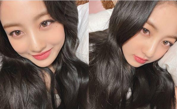 걸그룹 트와이스 지효가 침대셀카를 공개했다. /사진=트와이스 인스타그램