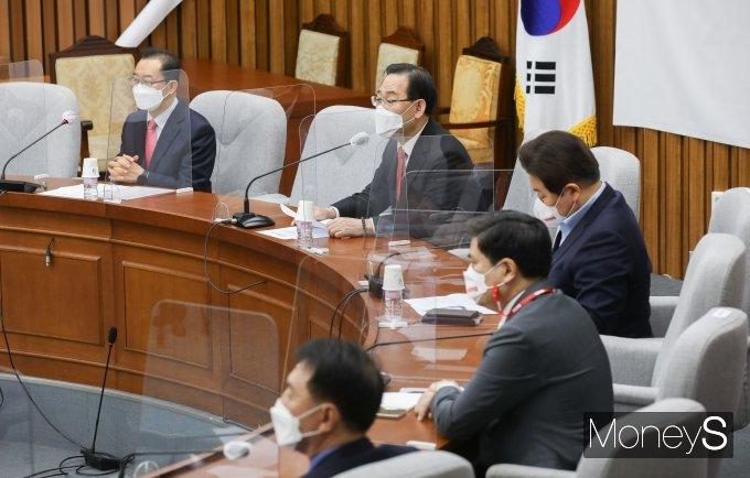 """[머니S포토] 주호영 """"전당대회 전 '안철수 합당' 문제부터 정리해야"""""""