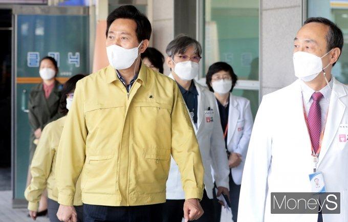 [머니S포토] 오세훈 시장, 서울 서북병원 찾은 이유