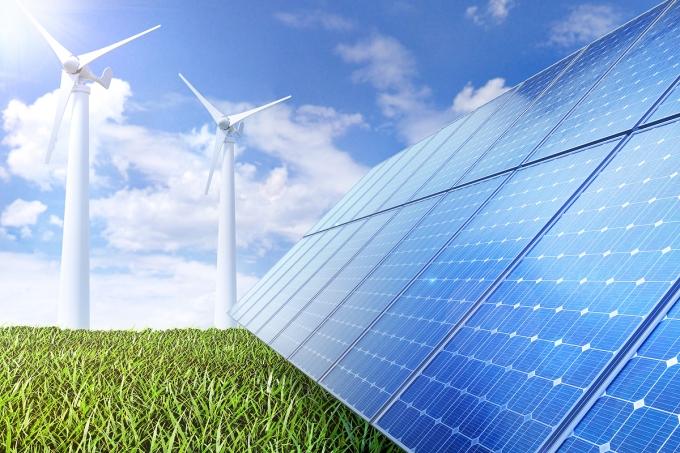 """한국무역협회 국제무역통상연구원은 11일 발표한 보고서에서 """"재생전원 발전과 이를 효율적으로 활용하기 위해서는 전력 인프라와 탈탄소·저탄소 기술에 대한 투자 확대가 시급하다""""고 주장했다. /사진=이미지투데이"""