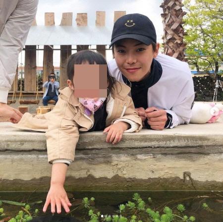 '펜트하우스'의 주역 박은석과 유진이 제주에서 만났다. /사진=박은석 인스타그램