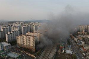 """남양주 주상복합 화재, 1층 상가서 발화… """"주민들 혼비백산 대피"""""""