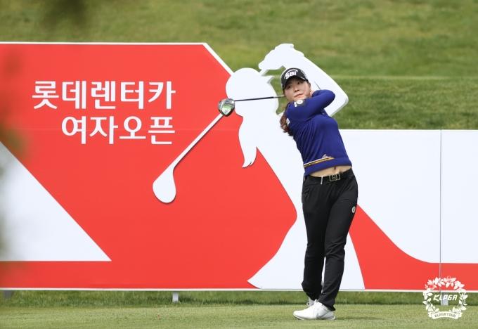 [사진] 이소미, KLPGA 시즌 개막전 '롯데렌터카' 3R 단독 선두