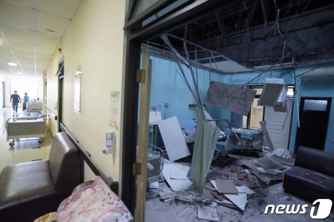 인도네시아 자바섬 인근에서 10일(현지시간) 규모 6.0의 지진이 발생해 최소 8명이 사망하고 23명이 부상했다. © AFP=뉴스1
