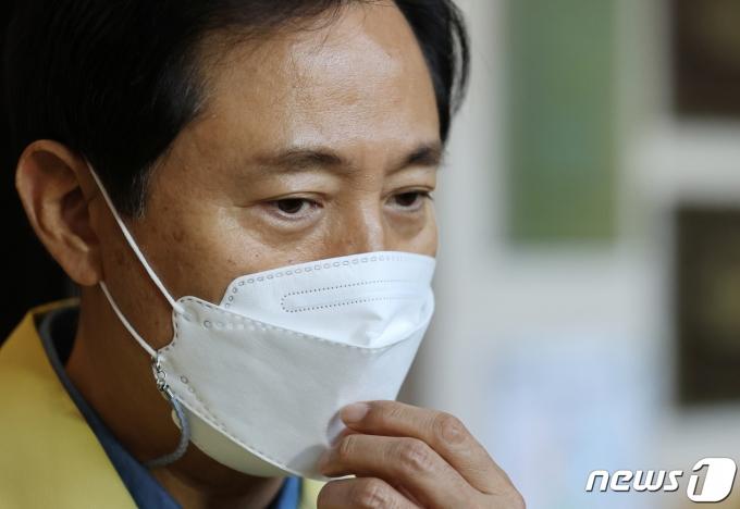 오세훈, 12일 코로나 브리핑… 서울형 거리두기 나오나?