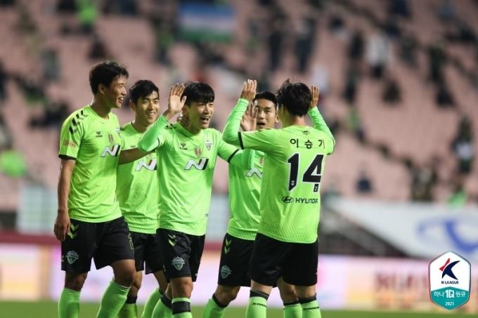 5골을 터트리며 인천을 제압한 전북 현대. (한국프로축구연맹 제공) © 뉴스1