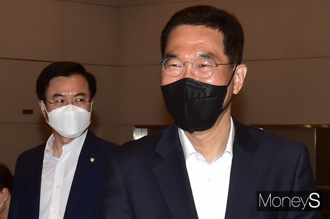 [머니S포토] 민주당 초선의원 모임 참석한 '김주영'