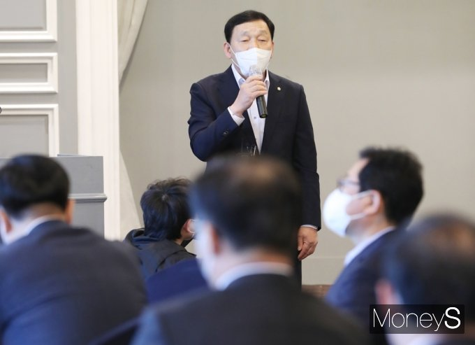 [머니S포토] 민주당 재선의원 모임, 발언하는 '김철민'