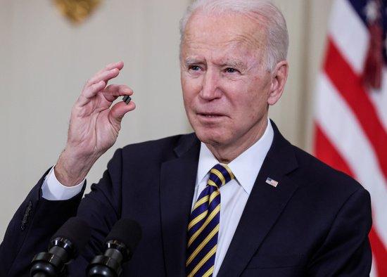 美 백악관 반도체 회의 가는 삼성… 압박 속에 실리 챙길까
