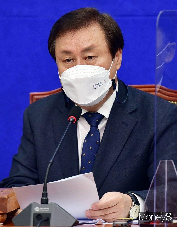 [머니S포토] 민주당 비대위, 발언하는 '도종환'