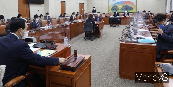 [머니S포토] 국회, 10일만에 '이해충돌방지법' 논의 재개